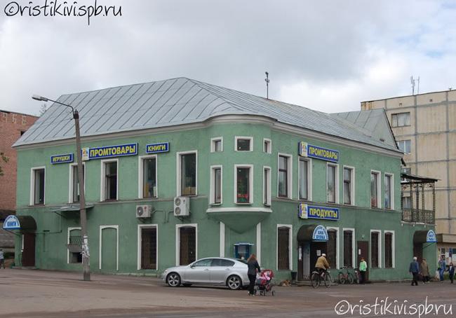 Жители Рощино называют это здание по старой памяти магазином Пааволайнена